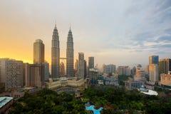 吉隆坡在日落的市地平线在吉隆坡,马来西亚 免版税库存图片