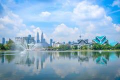 吉隆坡在蓝天视图的市地平线都市风景从山雀 图库摄影