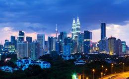 吉隆坡地平线在晚上 库存图片