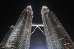 吉隆坡马来西亚晚上天然碱塔孪生 免版税库存照片