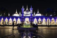吉隆坡,马来西亚, 2017年12月15日:蓝色有启发性清真寺 库存图片