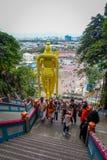 吉隆坡,马来西亚- 2017年3月9日:Murugan世界` s最高的雕象,一个印度神在黑风洞,非常 免版税库存图片