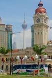 吉隆坡,马来西亚- 11月16 2016年:苏丹在独立报广场附近的阿卜杜勒萨玛德大厦钟楼  免版税库存图片