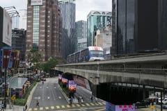吉隆坡,马来西亚- 12月31,2017 :KL通过通过在武吉免登地区,著名购物的单轨铁路车火车和招待 免版税库存照片