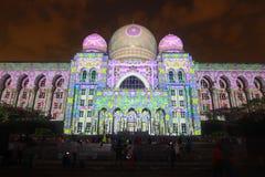 吉隆坡:布城(LAMPU)的光和行动在布城从12月12日到12月14日2014吸引了一千人 免版税库存照片