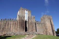 吉马朗伊什城堡在葡萄牙 免版税库存照片