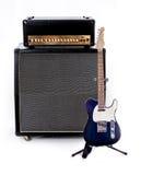 吉他与防御者样式吉他的Amp堆 免版税库存图片