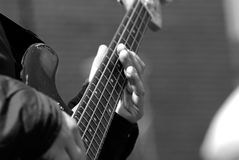 吉他弹奏者戏剧 图库摄影