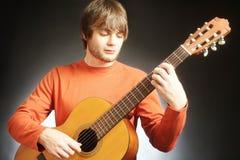 吉他演奏员音响吉他弹奏者 库存图片