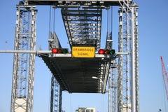 吊桥平台 免版税库存照片