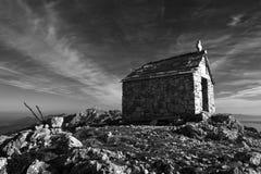 同一个名字的峰顶的St伊莱亚斯教会 库存图片