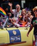 同性恋自豪日游行在旧金山-议员菲尔铃声乘坐 免版税图库摄影