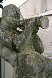 名骑手的雕象在一个公园被安装了在卡奥尔(法国) 免版税库存图片