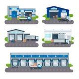 后勤学汇集仓库传输中心,装载的卡车,铲车工作者传染媒介 库存例证