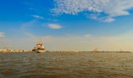 后勤的进出口和的事务的巨型的集装箱船 图库摄影