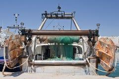后方拖网渔船视图 免版税库存图片