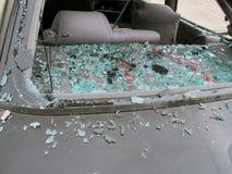 后方被打碎的车窗 库存图片
