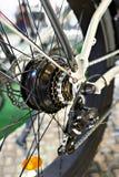 后轮电自行车支架链子  免版税库存图片
