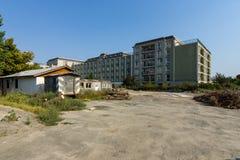 后院其中一家沿海岸区的旅馆 免版税库存照片