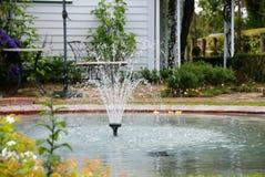 后院喷泉 免版税库存图片