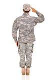 后面看法战士向致敬 免版税图库摄影