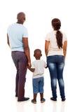 后面看法非洲人家庭 库存照片