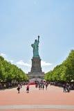从后面看见的自由女神像 免版税库存照片