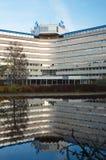 后面画象观点的KLM总部设大厦 免版税库存照片