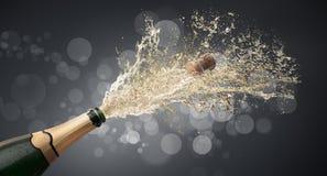 向上飞溅的瓶香槟 库存例证