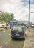向中间地球纪念碑基多厄瓜多尔的路 图库摄影