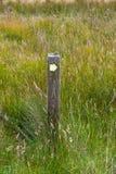 向右转路标奥克尼,苏格兰 免版税图库摄影