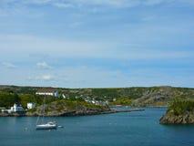 向圣约翰的路从Cuper的小海湾,纽芬兰 免版税库存图片