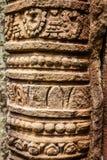 向大桶Phou宗教复合体扔石头被雕刻的杆在占巴塞省省,老挝的 库存图片