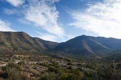 向山的路-赫拉夫Reinet风景 免版税库存图片