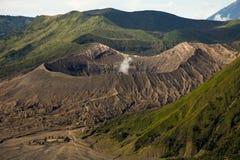 向布罗莫火山火山的迁徙的道路 库存照片