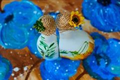 向日葵油的奇妙手工制造瓶 库存照片