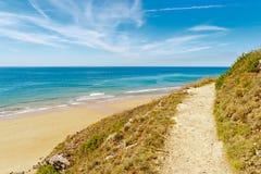 向海滩的路径在carteret 库存照片