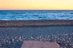 向海滩的道路 图库摄影