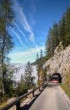 向老鹰的巢,德国的路 免版税库存图片