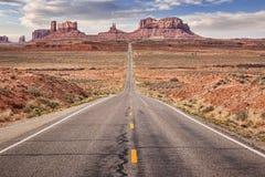 向谷的纪念碑路 免版税库存图片
