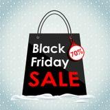 向量 黑星期五销售 在雪的黑袋子 库存例证
