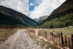 向高地的漫长的路 免版税库存照片