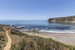 向鲍鱼小海湾海岸线公园的道路在加利福尼亚 库存图片
