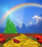 向鲜绿色城市的黄色砖路 皇族释放例证