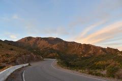 向` mirador de la punta `圣路易斯,阿根廷的路 免版税库存图片