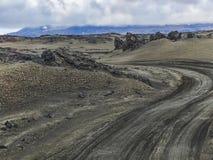 向askja火山的路f在威严的冰岛 免版税库存照片