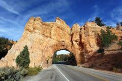 向Bryce峡谷的路 免版税库存照片