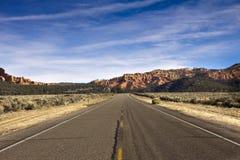 向Bryce峡谷的路 免版税图库摄影