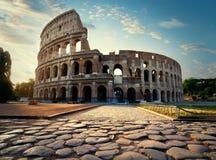 向Colosseum的路 免版税库存照片