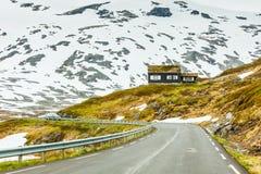 向Dalsnibba山,挪威的路 免版税库存图片